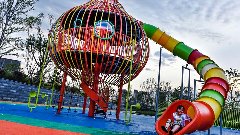 How to make the outdoor playground equipment attractive